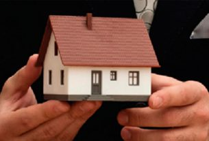 Choosing Between Spanish and British Property Lawyers