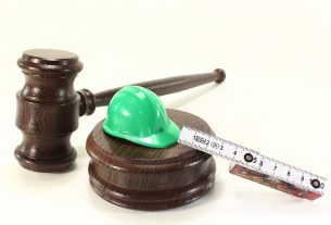 What is an Employment Solicitor and What Does He Do?